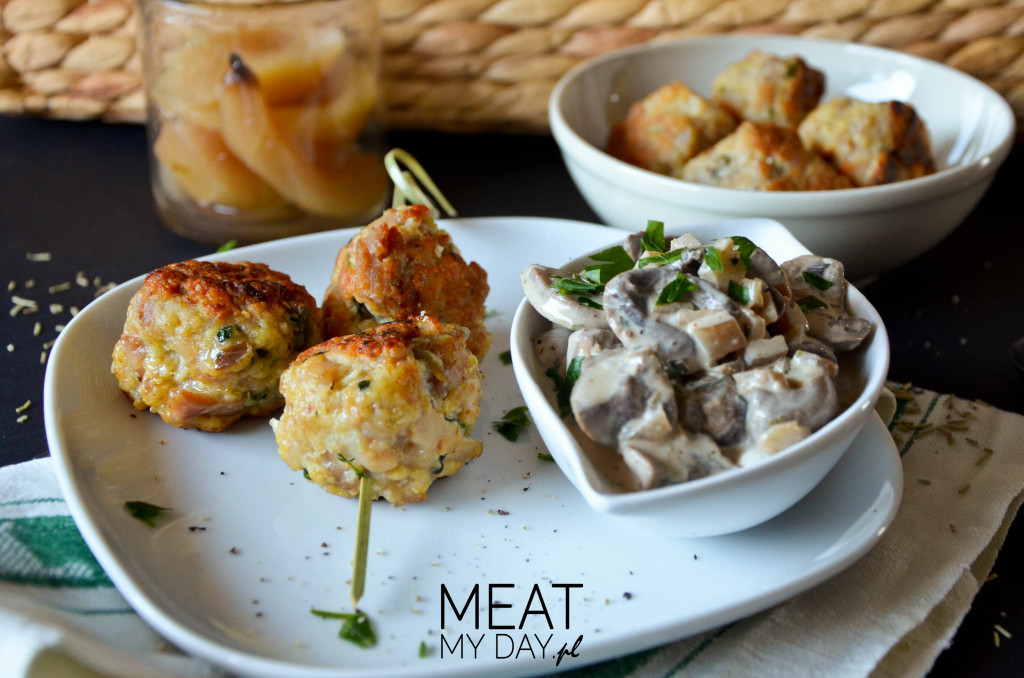 Ziołowe pulpety drobiowe z sosem pieczarkowym - na obiad lub kolację