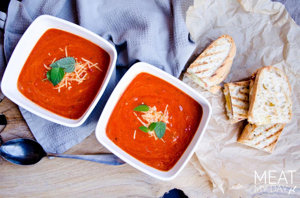 Krem pomidorowy z tostami