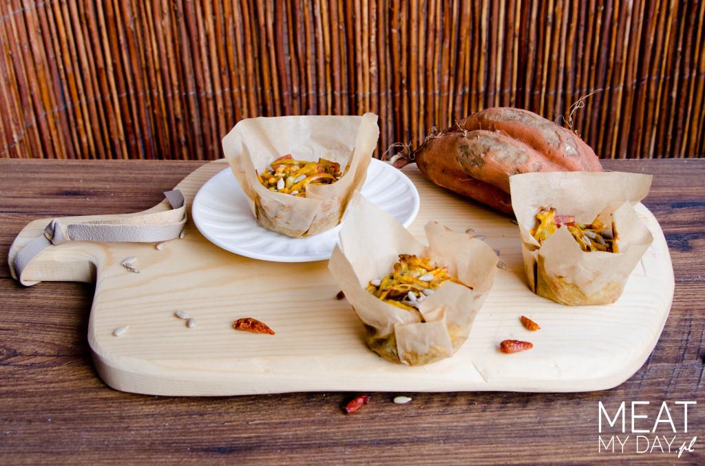 Muffinki z batatami i boczkiem