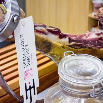 Przysmaki kuchni kanaryjskiej – jamón ibérico i chorizo de Teror