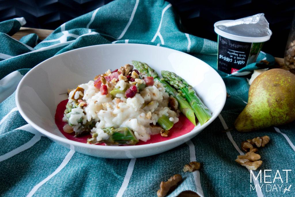 Risotto ze szparagami, pancetta, gruszką, orzechami