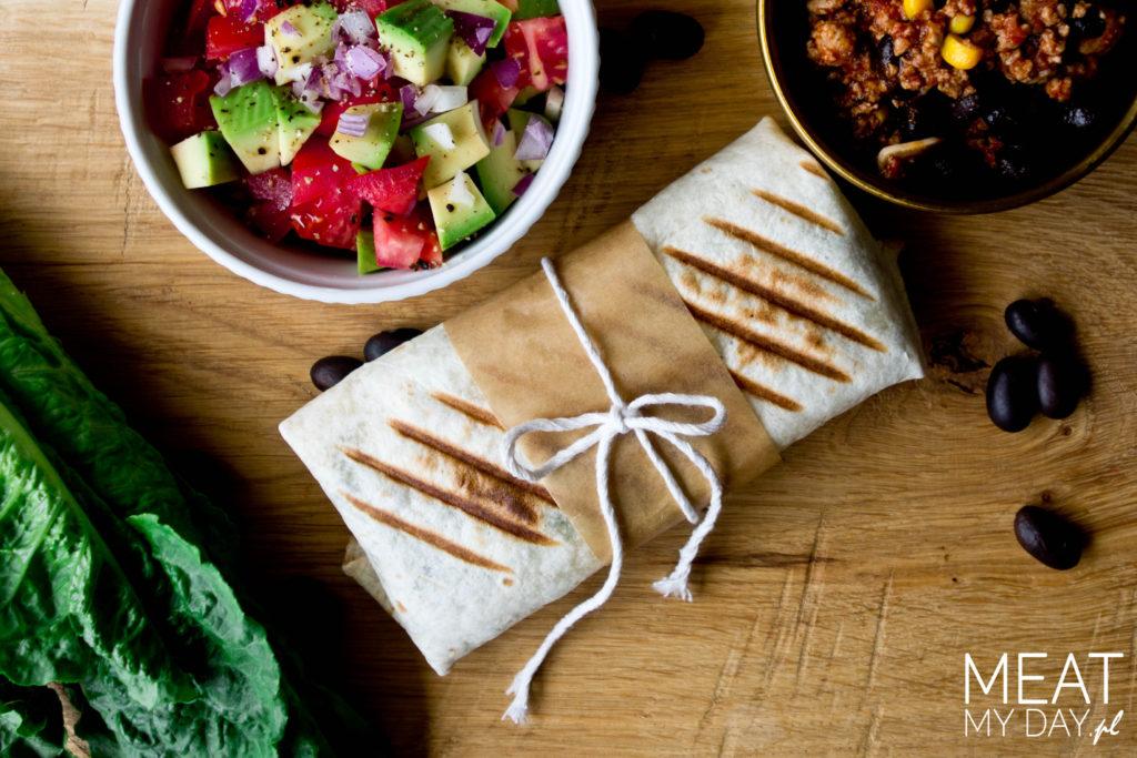 Burrito z indykiem, ryżem i czarną fasolą