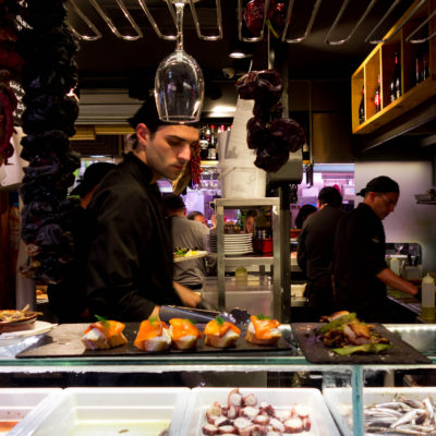 10 rad jak zjeść dobrze za granicą i nie dać się oszukać