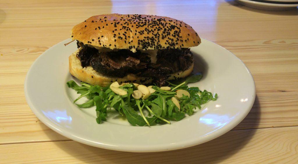 FoodPeople-Policzki-wołowe-z-sosem-grzybowym