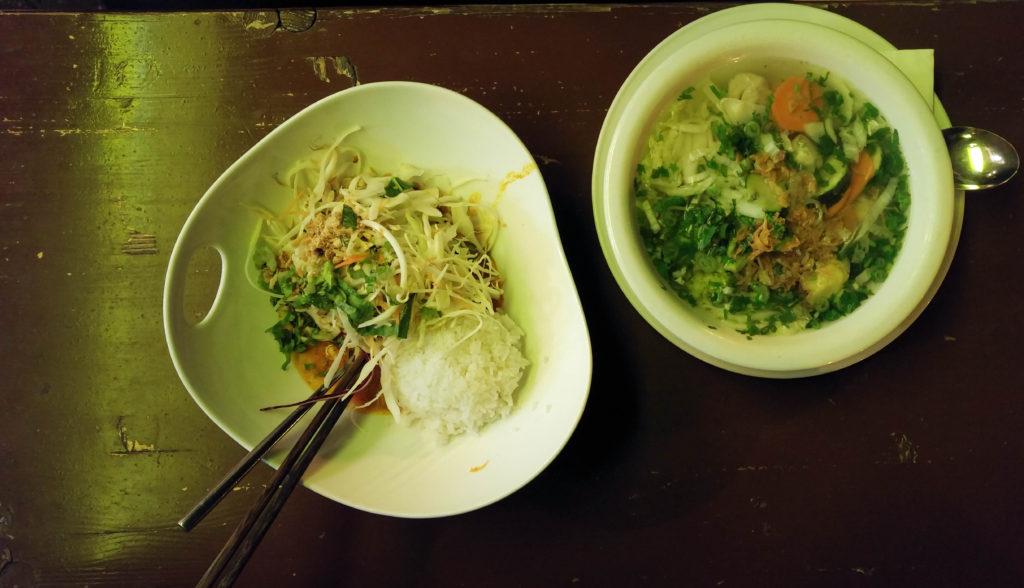 Hamy - żółte curry i zupa pho