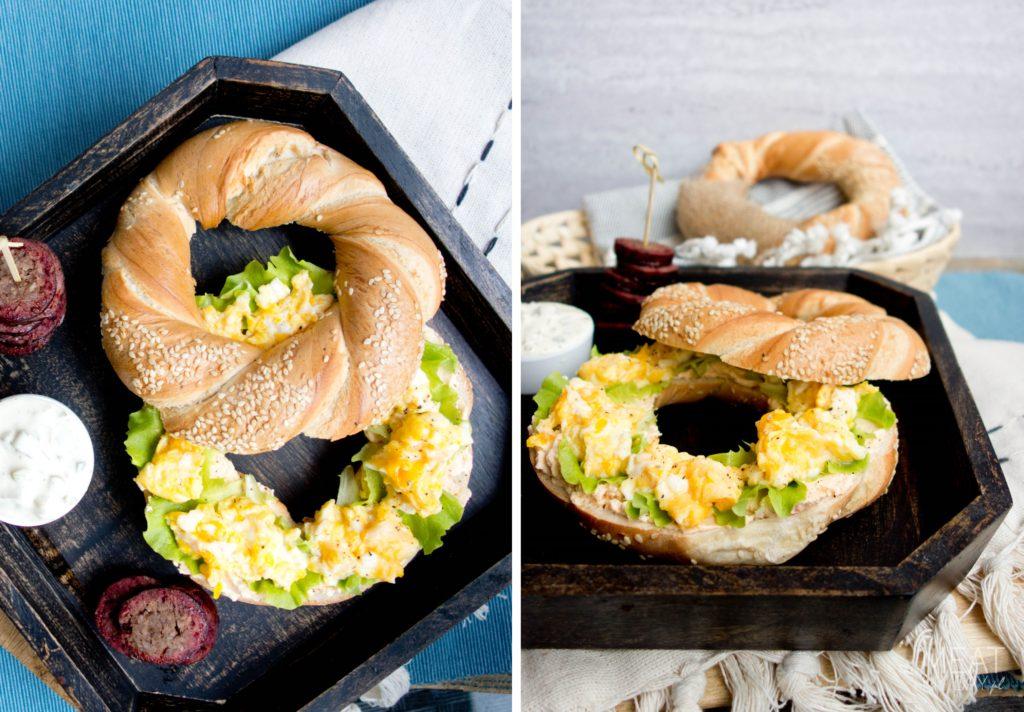 Obwarzanek krakowski z jajecznicą i kiełbaską z daniela