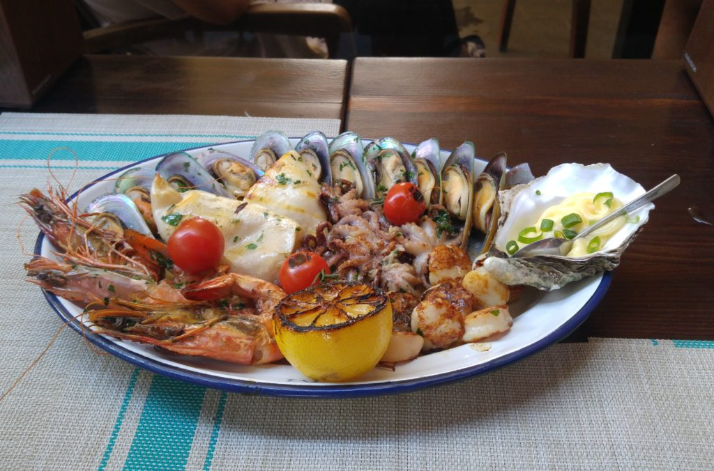 Bar Mushly - talerz grillowanych owoców morza