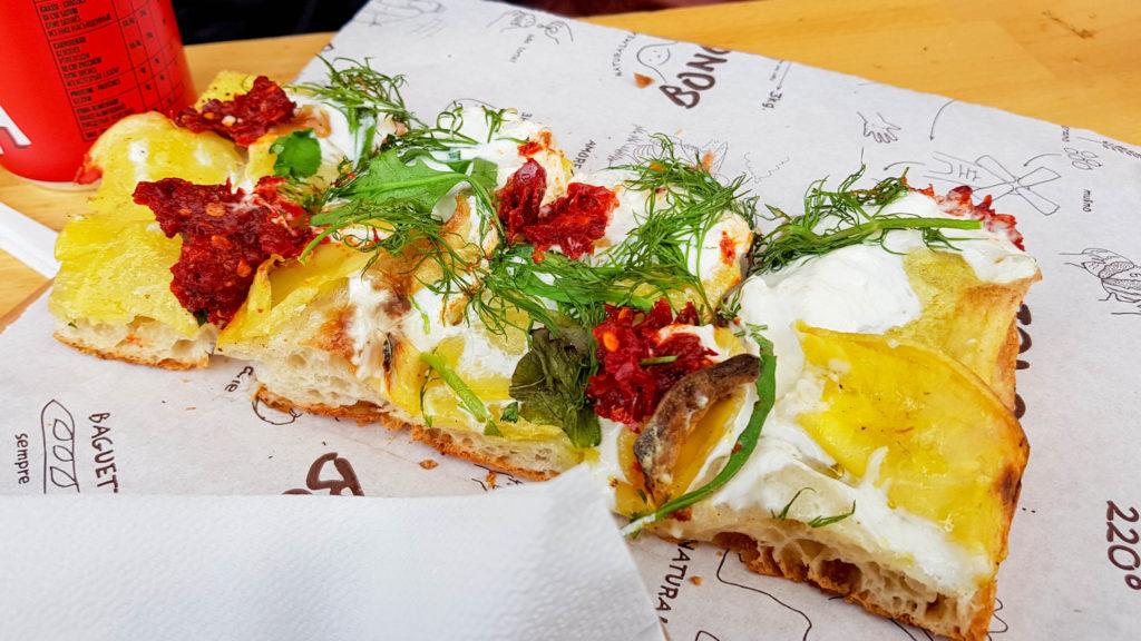 Pizzarium Bonci, Pizza na kawałki